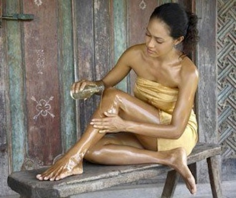 skin-treatment-with-coconut-oil